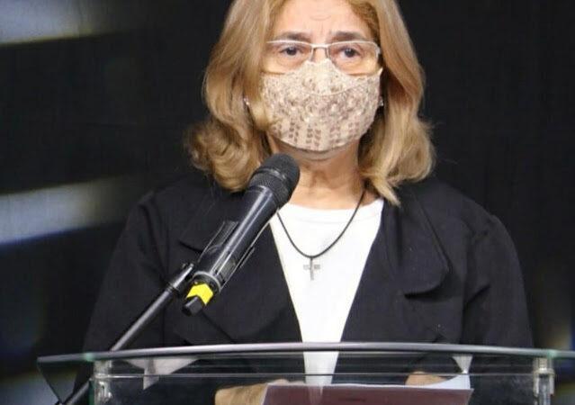 Jornalista mossoroense, Lúcia Rocha realiza na sexta-feira(23), sessão de autógrafos em Tibau
