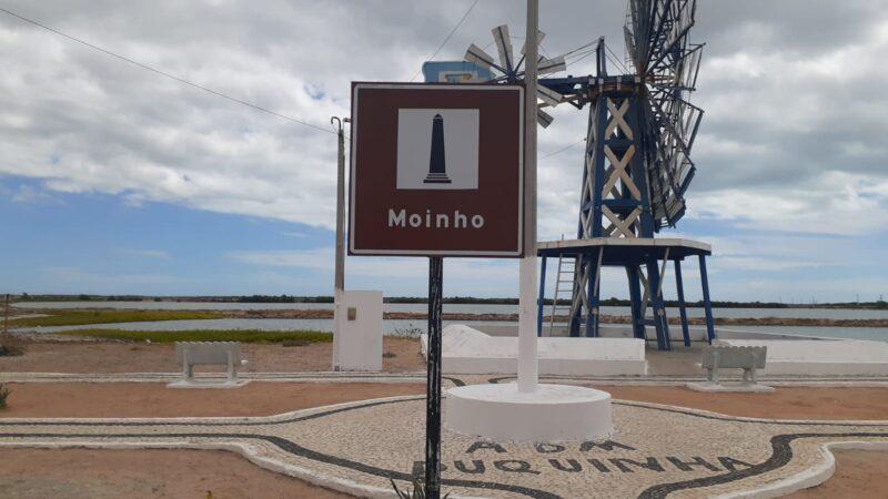 Prefeitura de Grossos inicia sinalização e revitalização de pontos turísticos