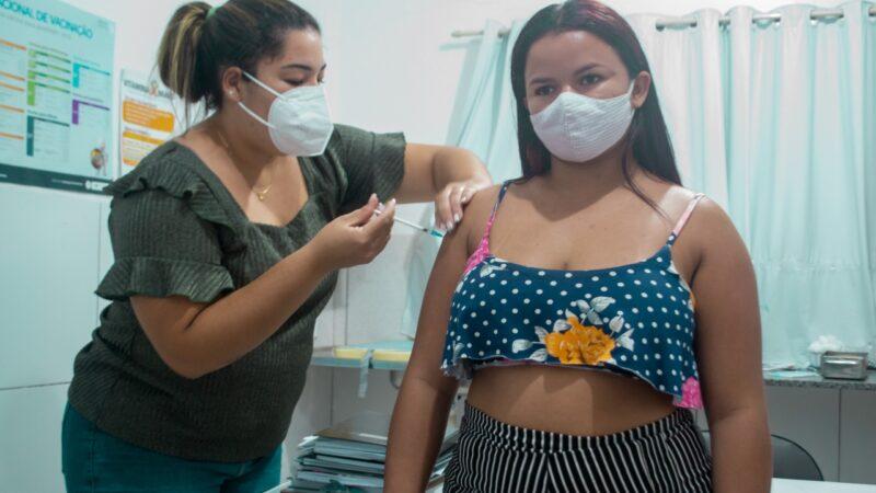 Prefeitura de Grossos vacina contra covid-19 nesta sexta (27)