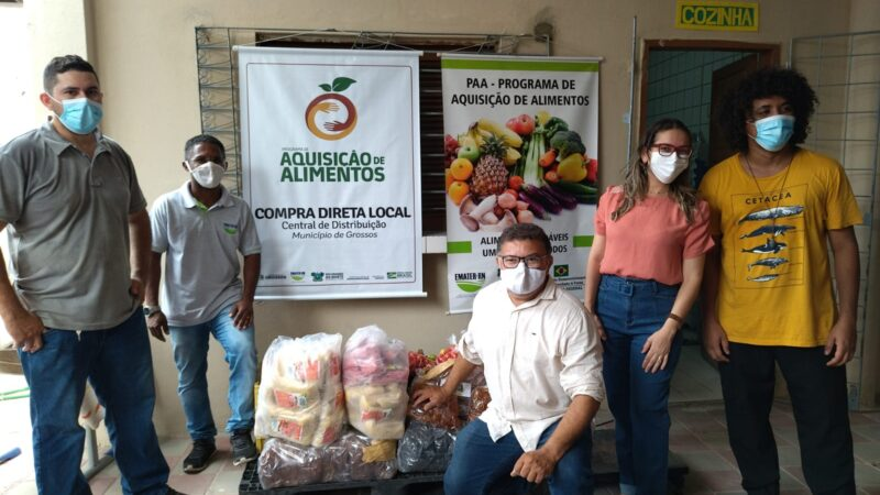 Prefeitura de Grossos começa a distribuição de kits da agricultura familiar