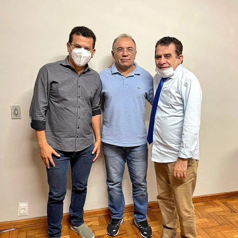 Prefeito Juninho Alves solicita ao DER melhorias para o trecho urbano da RN-117 em Caraúbas