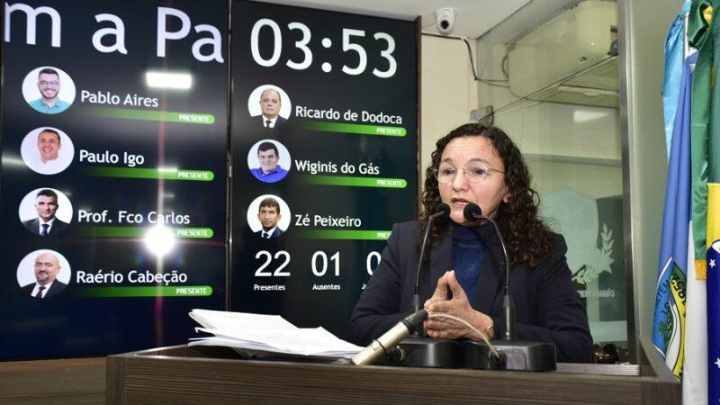 Vereadora cobra eleição para diretores nas escolas no PPA do município