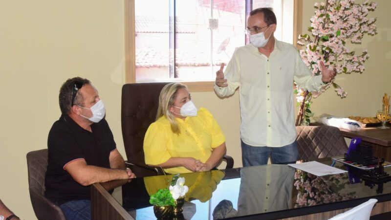 Cinthia Sonale recebe Deputado Souza para oficializar emenda à aquisição de ambulância semi-UTI