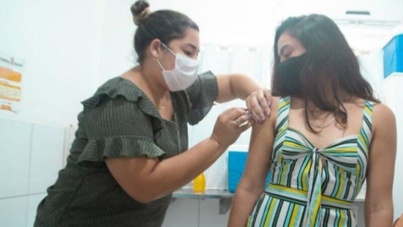 Grossos retoma vacinação para adolescentes de 12+ e reforço em idosos de 70 anos acima