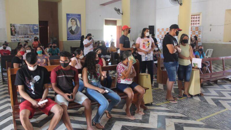 Prefeitura de Caraúbas inicia vacinação contra Covid-19 para menores de 18 anos