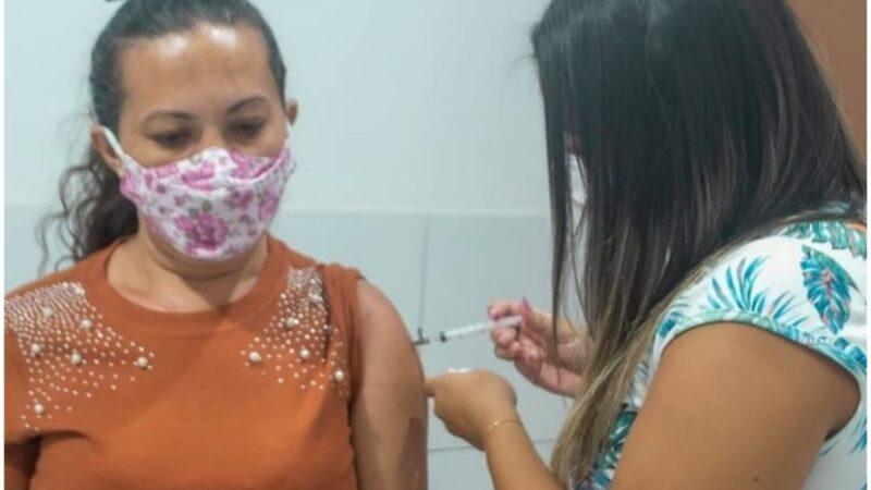 Prefeitura de Grossos convoca população para aplicação de segunda dose contra a covid-19