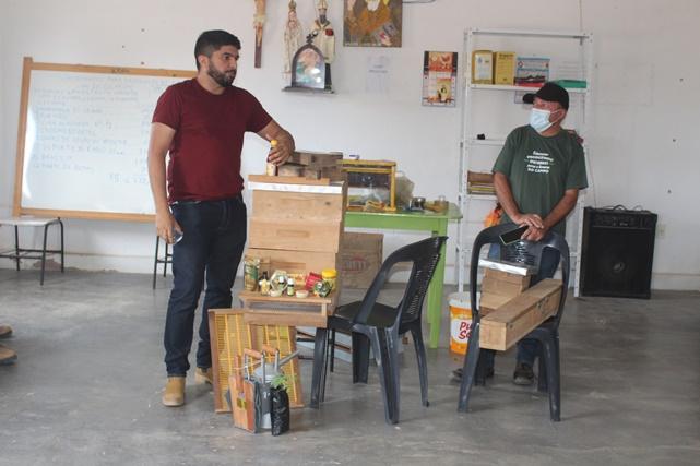 Prefeitura e Senar concluem curso de apicultura capacitando agricultores caraubenses
