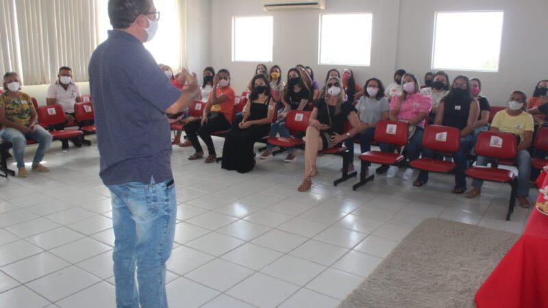 Educação de Caraúbas reúne professores para ultimar preparativos das atividades presenciais e comemoração