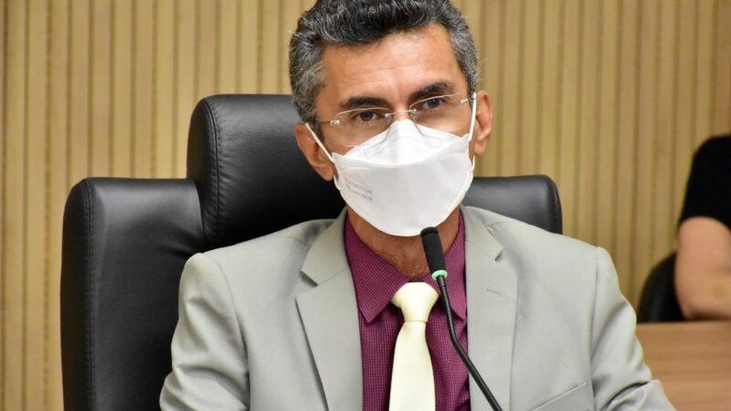 Lei de Francisco do PT proíbe condenados por racismo de assumirem cargos comissionados no RN